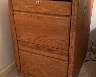 Oak 2 Drawer File Cabinet29x20x25inHxWxD