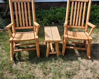 Willsboro Wood Rocking Chairs an End Table
