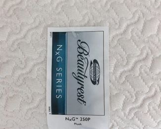 Excellent condition king Beautyrest mattress set $250
