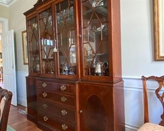 GORGEOUS LIGHTED CHINA CABINET