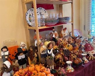 LOTS OF HOLIDAY DECORATING ITEMS