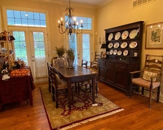 THE BREAKFAST ROOM OFF THE KITCHEN