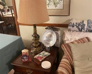 Side table with lamp and home accents