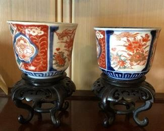 """Set of 2 Chinese Porcelain Cups with Imari Decoration on a Hardwood Base 3""""h"""