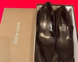 Designer shoes sizes 8.5 and smaller