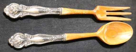 Lot# 120 - Pair of Sterling Silver Handle Serving Utensils (2pc)