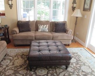 Ethan Allen Living Room Suite ~ Leather Ottoman Tables & Rugs