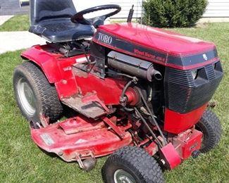 Toro Wheel Horse Lawn Tractor - Runs!