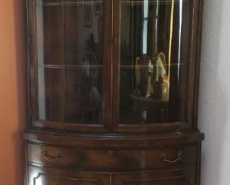 Vintage Traditional Style Corner China Cabinet. (36in W x 70in H x 20.5in D)