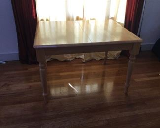 Dining Table without  Leaf measures (45in L x 36in W x 29.5in H)