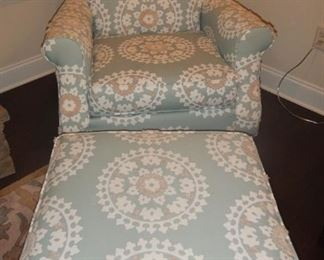 Havertys club chair and has a matching ottoman