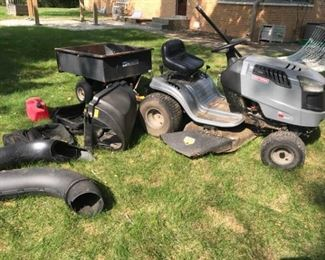 Craftsman 17.5 Horse Lawnmower Cart and Bagger