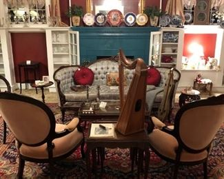 ANTIQUE KIMBALL CARVED CURVED BACK TUFTED SOFA, VICTORIAN PARLOR CHAIRS, QUEEN ANNE NESTING TABLES