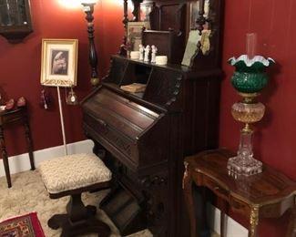 ANTIQUE NEEDHAM NEW YORK PUMP ORGAN, FRENCH PROVINCIAL SIDE TABLE