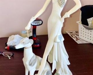 Santini (Italy) statue, Classy Lady w/ Dog