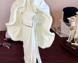 Santini (Italy) Lady statue