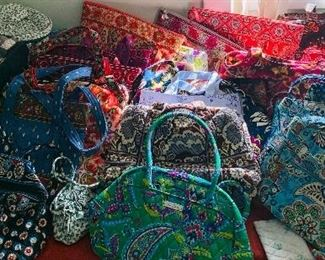 Who Loves Vera Bradley?  There are lots of Vera Bradley Purses Here!