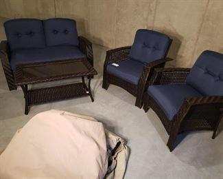 Nice Clean Newer Wicker Furniture Set