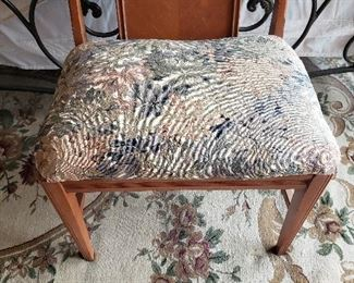 Small ladies chair/bench