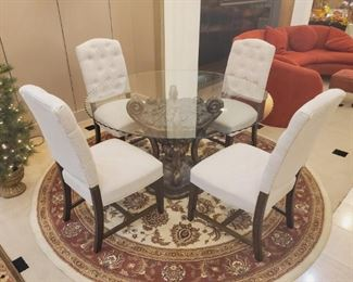 Beautiful glass table with pedestal base/4 chairs