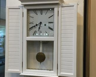 Vintage 31 day white wall clock - works great.