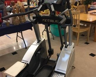 TRUE TSX elliptical in great condition.