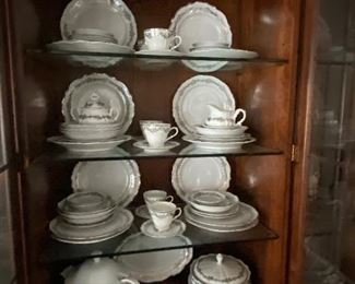 BELCREST CORSAGE GERMANY CHINA SERVICE FOR 8 PLUS