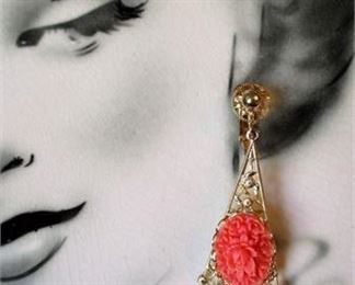 Lot 005 Vintage Dangle Clip-On Earrings ~ Faux Coral with a Spanish Flair ~ by Celebrity