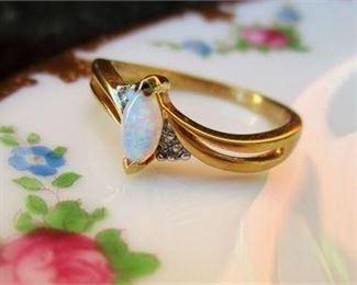 Lot 026 Vermeil Opal Ring