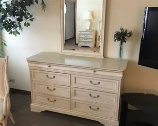 Lexington dresser with mirror $350
