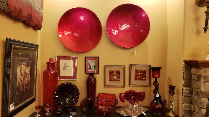Home accessories in Red