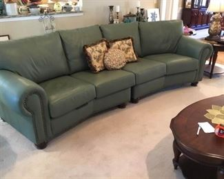 001 Leather Creations Sectional Sofa