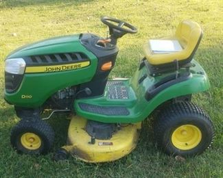 John Deere D110 Riding Lawnmower ~ 42 in. Mowing Deck, 19 HP engine (160 hrs.)and Hydrostatic Drive ~ Starts and Runs ~ Manual included