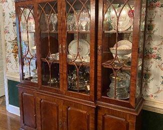 Henredon Natchez collection china cabinet