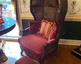 Weimen/Warren-Lloyd French ballon chairs.
