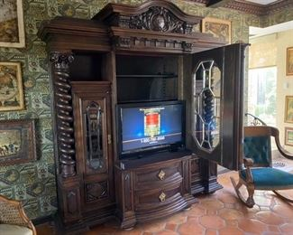 #2 - $1,850 German shrunk cabinet with twisted columns