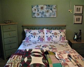 Queen Farmhouse Style Bedroom Suite