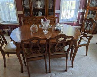 French Provincial Dining Room Table and Six Chairs