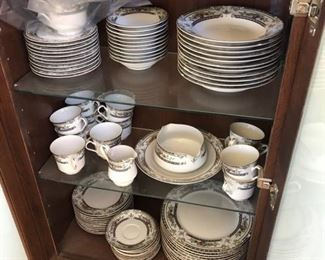Mikasa Fine China Cambridge - Full set of 12