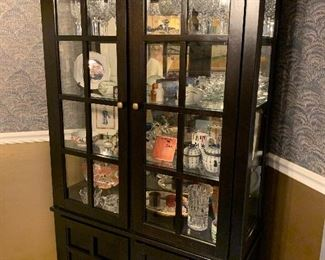 Display cabinet $400