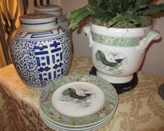DECOR AND PLATES