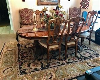 Dining table with 6 chairs - 850.00