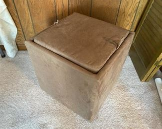 storage ottoman with tray top