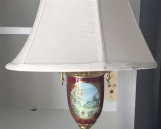Matching Victorian style lamps (another set in dark blue).