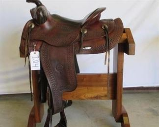 204	  Colorado Saddlery Denver Western Ranch Saddle Vintage Colorado Saddlery Denver Western Ranch Saddle.  Model # 2571.  Needs some repairs.