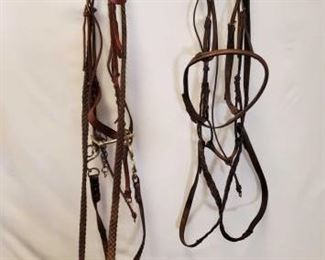 189	  Two Complete English Bridles with Cavason and Misc English Tack Two Complete English Bridles with cavason. Also miscellaneous English tack odds and ends, see pic.