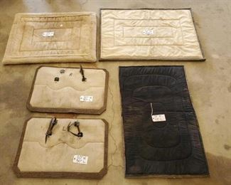 "39	  Different Sets of Pack Saddle Pads Different Sets of Pack Saddle Pads 31""x45"" 28""x43"" 28 1/2""x39"" Set 20""x30"""