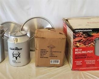 470	  Cowboy Cooking Pots Variety of Cowboy cooking pots includes: Turkey fry pot, Seth McGunn's Bone Collector brand can cooker, 4 piece stock pot set, 80 qt boiling pot by Brinkmann, 4 Piece stockpot set and 2 misc lids - 1-80 qt and 1 - 60 qt.