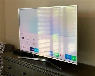 Samsung 49in UHD 4K SMART TV UN49MU700F23.75x43x12d (at base)HxWxD