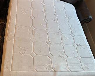 Ashely Furniture Bristan Leather Nail Head Sleeper Sofa Queen39x90x40inHxWxD